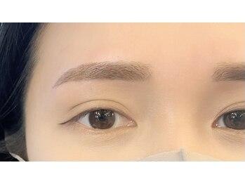 ダフネ(DAFNE)/ボサ眉から綺麗眉