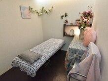 トータルビューティーサロン 髪結い空間エムアンドケー(M&K)の雰囲気(脱毛・光フェイシャル施術スペースです。)