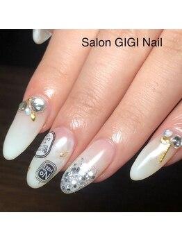 サロン ジジネイル(Salon GIGI Nail)/ホワイトグラデ×フラワーアート