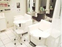 美容室に併設しているのでヘアメニューと同時施術可能です