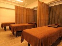 ハース 西麻布店(Hearth)の雰囲気(整体ベッド5台ございますので、お2人でも同時施術できます♪)