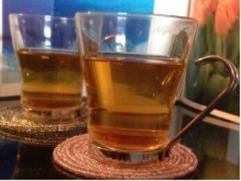 健幸サロン 大足 十日市店/施術前と施術後のお茶です。