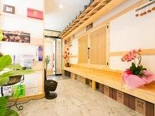 ハンヴィヴィ(Han ViVi)の雰囲気(韓屋をイメージした店内。韓国に来た気分が味わえます。)