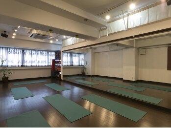 プラマーナヨガ(PRAMANA yoga & pilates studio)(東京都台東区)