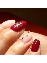 サンネイル(sunnail)/ベージュと赤のコラボレーション