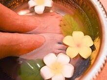 プライベートサロン ルナァーリア(LUNARIA)の雰囲気(カウンセリングの時には足湯のサービス。)