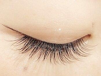 ラルジュ アイラッシュ(Large. eyelash)の写真/綺麗な瞳が長続き◎大人女性にピッタリ♪落ち着いた雰囲気の店内で、自分好みのなりたい瞳を叶える♪