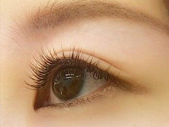 アイラッシュ シーク(EYELASH Seek)の写真/【ナチュラルな仕上がり】眉色や髪色に合わせた馴染みの良いブラウンカラーで柔らかい印象の目元へ♪