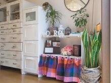 手作りの家具が並ぶ、温かみのある店内♪
