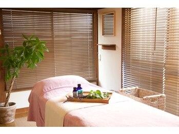 心と体の休息所 つきひ/ホッと落ち着く施術室