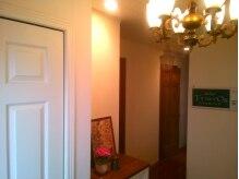 一軒家です。アトリエ(ネイル部屋)は玄関横の専用個室です。