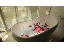 【初回800円!】お風呂まである施設海外のヴィラを漂わせます。