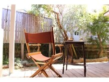 心と体の休息所 つきひ/裏庭からは心地よい木漏れ日が‥