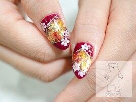 ボルドーの桜扇和柄ネイル