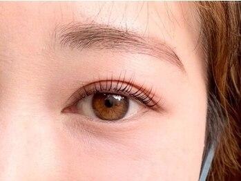 ニーチェ アイ(niche eye)の写真/毛がないところも毛が有るように見せる最新技術【プランプブロウリフト】で骨格に沿った黄金比眉毛をGET☆