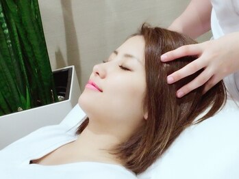 リフレッシュ ルミネ横浜店の写真/ドライヘッドスパ「頭骨リフレ」で頭~顔・首・肩・デコルテほぐし♪身も心も解き放たれる眠りへと導きます