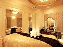たかの友梨ビューティクリニック 横浜ベイシェラトンホテル&タワーズ店の雰囲気(【VIPルーム】プライベート贅沢空間で至福のリラックス。)