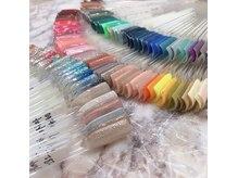 トレンドカラーなど150種類の中から似合う色が必ず見つかる♪