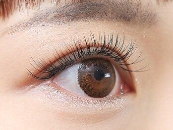 アイラッシュサロン ナチュレ 鶴瀬店(NATURE)の写真/マスカラ要らずで周りの目を惹く魅力的な瞳へ♪自まつ毛と自然に馴染むナチュラルな仕上がりに◎