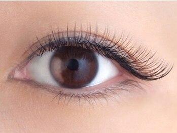 アプレ 本店(apres nail & eyelash)の写真/【初回限定★クールeye】最高級抗菌シルク [上120本]¥4980!大人女性の魅力を引き出す♪奥二重さんにも◎