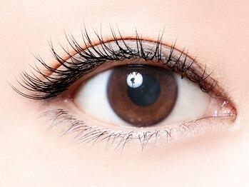 まつげエクステ専門店 アイラッシュ ティーズ 北千住店(eyelash T's)の写真/【ふんわりナチュラルに可愛く♪自まつげと間違えられるほどナチュラルにボリュ-ムUP】