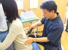 ツジモト健康カイロプラクティックの雰囲気(矯正用アジャスターを使用◎骨・筋肉・筋膜へアプローチします!)