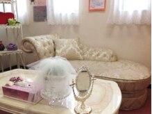 サロンドジュエル(Salon de Jewel)の雰囲気(ピンクを基調とした店内♪)