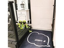 グラニーエム(Grnny.M)の雰囲気(いらっしゃいませ!こちらが玄関です(^^))