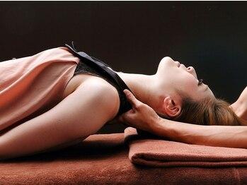 美楽整体 ウルオス(URos)の写真/肩コリ・辛い首も改善できるスゴ腕施術!筋肉を緩めて自然にリンパが流れるようになるからすっきりスタイル