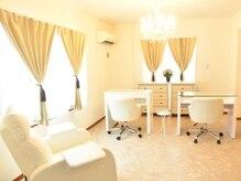private nail salon ELsha