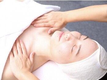 美肌工房 エステサロン上迫の写真/乾燥によるお肌の変化が気になる季節にホ-ムケアまで徹底して美肌づくりをサポ-トしてくれる心強いサロン!