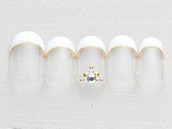 ネイルサロン ノーネイル 新宿の写真/【フレンチ¥3990】毎月変わるデザインは必見!お好きなカラーに変更OK♪安いのにデザインが可愛いと大人気♪