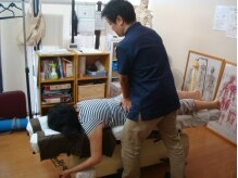 シン カイロプラクティック ブラボー(SHIN Bravo)の雰囲気(骨盤などのゆがみや、痛みの原因を取り除き身体の不調を改善。)