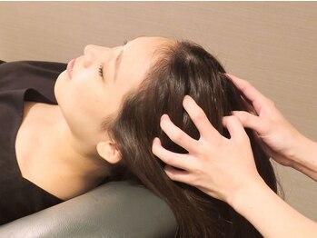クイーンズウェイ 新宿京王モールアネックス(Queensway)の写真/【癒しのヘッドスパ♪】濡らさないヘッドスパを堪能♪目の疲れや肩こりで悩んでいる方必見!