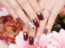 ベルネイル(belle nail)/ボルドー×フラワーネイル