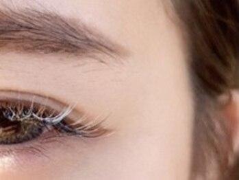 ジューシーアイ 川越店(Juicy Eye)の写真/【似合わせカラーエクステ】目尻にワンポイントでも、全体で外国人風にも◎瞳、肌髪色に合わせてお仕上げ!