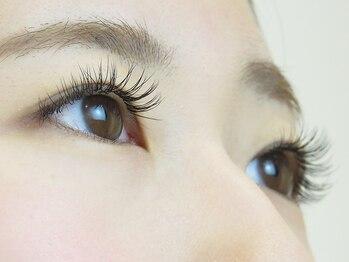 アプレ 本店(apres nail & eyelash)の写真/まつ毛が「少ない」「短い」「細い」など様々な目元のお悩みを解決!モチも良く、思い通りの目元を実現…☆