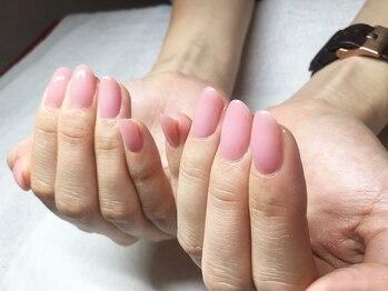 サンネイル(sunnail)の写真/周りと差をつけるシンプルネイル!シア系カラー多数でお手入れが行き届いた美しく品のある指先に。
