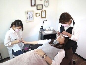 ヘップ(nail eyelashdesign Hep)の写真/仕事などで忙しい女性や子育てママにも大人気◎!!ハンド・フット・マツエクの全てが同時施術可能です♪♪