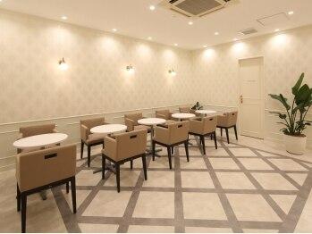 銀座カラー 八王子店/カウンセリングスペースへ