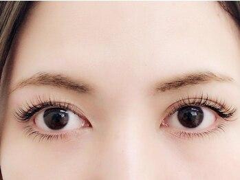 アイラッシュサロンフォーカス(Focus)の写真/流行のおフェロ顔に☆自然なボリューム感で黒目を大きく見せるデザインもおすすめ!【フラット100本¥5800】