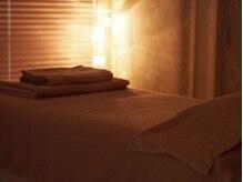 リラクゼーションアンドアロマ エクリュ(ECRU)の雰囲気(間接照明がより深いリラックスを与えてくれます。)