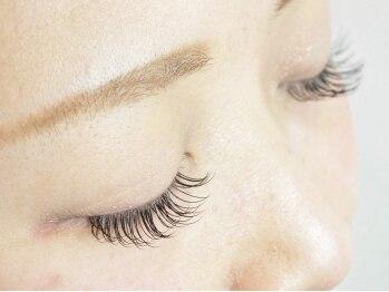 アプレ 本店(apres nail & eyelash)の写真/【初回限定★ナチュラルeye】最高級抗菌シルク[上100本]¥4480!女性らしい上品な目元に♪日本製グル―使用