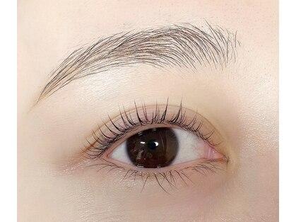 プリュムアイラッシュ(plume eyelash)の写真