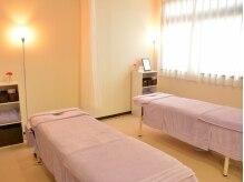 ビューティーカイロ 骨美の雰囲気(清潔感のある施術スペース。個人ブースに仕切れます。)