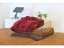 ムーンテッド(MoonTed)の雰囲気(肌触りの良いバスローブを着て自由にくつろいでください♪)