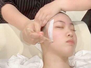 ラソ アイ ビューティー 今治新都市店(lazo eye beauty)の写真/ファンデーションもぴったり密着☆【waxxxx(国産米のスキンケアフェイシャルWAX脱毛)¥8800】うるツヤ肌に♪