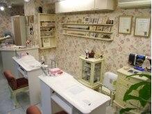 ネイルデモカ(Nail de moka)の雰囲気(お一人で貸切できる店内。落ち着いた空間で施術を受けられます。)