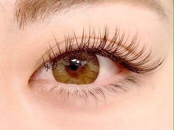 ラブリーアイズ(lovely eyes)の写真/【オールブラウンで作る憧れの華やか外国人EYE♪】ナチュラル派の方には自然な仕上がりカラーMIXもオススメ