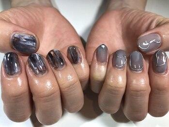パルネイル(PAL nail)/モノトーンニュアンスネイル